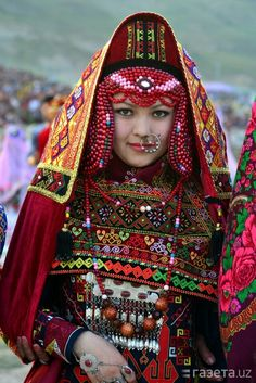 Uzbekistan, Traditional Clothing