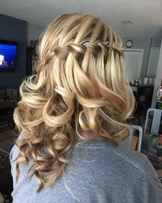 Prom Frisuren schulterlanges Haar cool - Hairstyles for Women and Men - # . - - Prom Frisuren schulterlanges Haar cool - Hairstyles for Women and Men - # . Hairstyles For Layered Hair, Cute Prom Hairstyles, Dance Hairstyles, Formal Hairstyles, Braided Hairstyles, Hairstyles Videos, Hairstyles 2018, Office Hairstyles, Graduation Hairstyles
