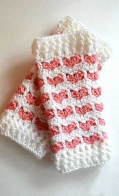 [Free Pattern] Adorable Heart Stitch Leg Warmers For Babies And Kids
