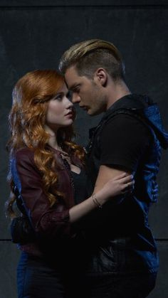 Katherine McNamara Writes Thank You Letter to 'Shadowhunters' Fans & Crew After Season Finale Dominic Sherwood Shadowhunters, Shadowhunters Clary And Jace, Clary Et Jace, Shadowhunters Series, Shadowhunters The Mortal Instruments, Clary Fray, Blusas Best Friends, M Shadows, Netflix