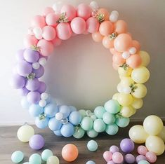 How cool is this balloon garland set up!So easy to out together and you can nearly design any way you decide! Have some fun with it!Balloon Garland by daydream_events_ on ladies! Balloon Backdrop, Balloon Decorations Party, Balloon Garland, Birthday Party Decorations, Decoration Party, Ballons Pastel, Rainbow Balloons, Wedding Balloons, Birthday Balloons