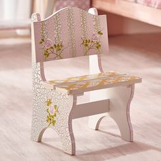 It's not easy being a princess, especially when you know your parents still call the shots! Fantasy Fields' Crackled Rose Mini Chair is the ideal place to stick