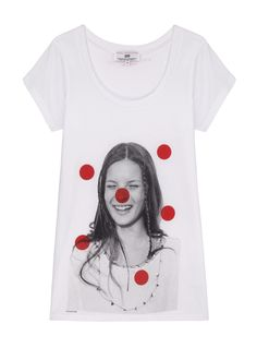 STELLA MCCARTNEY has designed a capsule collection of T-shirts in celebration of Red Nose Day on Friday March The range – which is for both adults and children - is available to buy exclusively from TK Maxx stores and online now, with a percentage of Red Nose Day, Moss Fashion, Star Fashion, World Of Fashion, Stella Mccartney, Gucci Tee, The Face Magazine, Rihanna Love, Online Collections