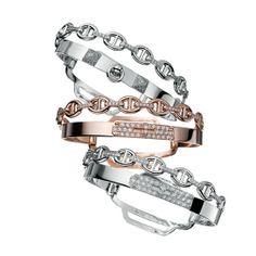 Les bracelet double tour d'Hermès http://www.vogue.fr/joaillerie/le-bijou-du-jour/diaporama/le-bracelet-kelly-double-tour-d-hermes-or-rose-chaine-d-ancre/12753#!2
