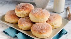 La ricetta per fare i bomboloni al forno con un goloso ripieno di crema o altro, la ricetta dolce facile