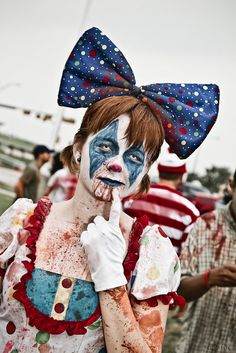 Clown Zombie~oooh combining 2 freaky genres is a great!!!
