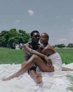 👩🏾: 👨🏾: 📸: The forbidden fruit of my loom rests between the powerful embrace of his bare,… Black Love Couples, Cute Couples Goals, Photo Couple, Couple Shoot, Black Photography, Fashion Photography, Black Girl Aesthetic, Black Is Beautiful, Beautiful Couple