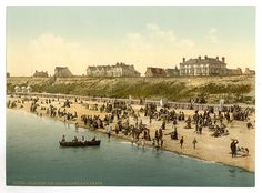 Clacton-On-Sea. Cliffs and Beach. #vintage photochrom postcard images