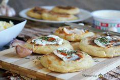 Moskole, placki ziemniaczane po góralsku • Domowe Potrawy Polish Recipes, Polish Food, I Foods, Baked Potato, Camembert Cheese, Recipies, Baking, Eat, Ethnic Recipes