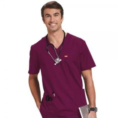 Looking for scrub tops that both men and women can wear? Then the Orange Standard Unisex Scrub Top is perfect when worn as a nurses uniform, dental uniform or as vet scrubs. This unisex scrub top comes in sizes petite, small, big & tall. Vet Scrubs, Dental Scrubs, Medical Scrubs, Dental Uniforms, Black Scrubs, Uniform Design, Scrub Tops, Pocket Detail, Dentists