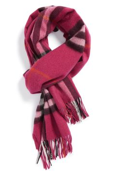 Season favorite | Pink Burberry check cashmere scarf.