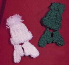 crochet tiny hat and mittens pattern | Knitted & crocheted Christmas ornaments - great way to say 'thank you ...