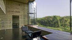 Imagen 1 de 15 de la galería de Vivienda-Estudio en Rajagiriya / Palinda Kannangara Architects. Fotografía de Palinda Kannangara Architects