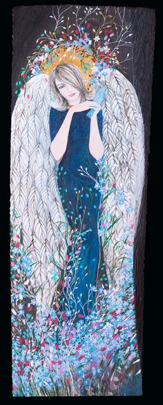 Ręcznie Malowany Anioł na Starej Dębowej Desce. Wysokość - 62,5 cm, szerokość 21 cm, grubość deski - 3,5 cm. Zachowana jest faktura drewna. Deska pokryta jest bejcą w kolorze ciemnego brązu. Anioł namalowany farbami akrylowymi, detale wykończone złotem. Całość jest zabezpieczona lakierem akrylowym.