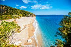 Albanien liegt am Ionischen und Adriatischen Meer, hat wunderschöne Landschaften und liebenswerte Einwohner. Ich zeige euch das faszinierende Balkanland.