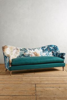 Slide View: 2: Pied-A-Terre Sofa, Judarn