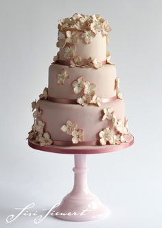 hochzeitstorte on pinterest wedding cakes cake and hochzeit. Black Bedroom Furniture Sets. Home Design Ideas