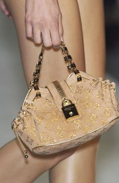 Louis Vuitton at Paris Fashion Week Spring 2004 - Details Runway Photos My Bags, Purses And Bags, Givenchy, Balenciaga, Vintage Couture, Mini Purse, Branded Bags, Vintage Louis Vuitton, Cute Shoes