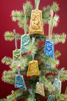12 Days of Christmas ornaments from Pewabic Pottery in Detroit, displayed on our reproduction vintage tabletop tree. Tabletop Christmas Tree, Christmas Trees, Christmas Decorations, Xmas, Christmas Ornaments, Twelve Days Of Christmas, All Things Christmas, Pewabic Pottery, Holiday Fun