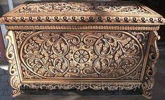 ahşap oyma kutu fiyatı - Google'da Ara Pottery Sculpture, Wood Sculpture, Sculptures, Chip Carving, Wood Carving, Wooden Keepsake Box, Trunks And Chests, Art Carved, Wooden Crates
