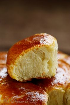 Discover recipes, home ideas, style inspiration and other ideas to try. Homemade Dinner Rolls, Dinner Rolls Recipe, Cooking Bread, Bread Baking, Gluten Free Recipes For Dinner, Love Food, Sweet Recipes, Donuts, Food And Drink