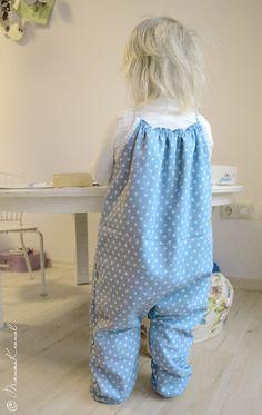 Mamas Krümel: Bequemer Baby-Romper für kalte Tage