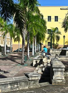 Beneficencia Plaza . Puerto Rico