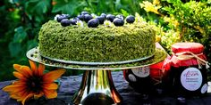 Recept na mechový dort s krémem z mascarpone 🍰 | Slevomat.cz Graham Crackers, Sweet Recipes, Acai Bowl, Food And Drink, Sweets, Cooking, Breakfast, Health, Mascarpone