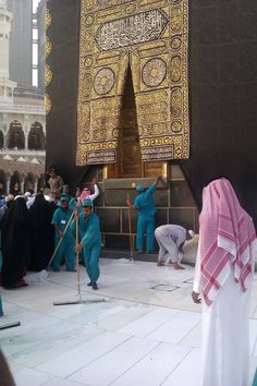 Baytullah (Kaabah) @ Masjid al-Haraam @ Makkah al-Mukarramah Masjid Al Haram, Mecca Masjid, Islamic Quotes, Islamic Images, Islamic Pictures, Alhamdulillah, Abu Dhabi, Mecca Wallpaper, Quran Surah