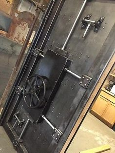 027f custom vintage industrial faux vault door - Evo bank oficinas ...
