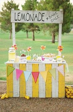 DIY Lemonade Stands | Handmade Charlotte