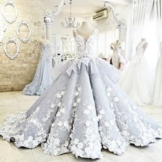 Mak Tumang. If I could make the puffiness a little smaller, I'd wear this to prom in a heart beat.