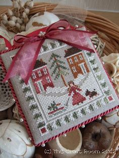 The Craft Room: September Ornament pretty finish Cross Stitch Christmas Ornaments, Xmas Cross Stitch, Christmas Embroidery, Xmas Ornaments, Christmas Cross, Cross Stitch Charts, Cross Stitch Designs, Cross Stitch Patterns, Christmas Tree