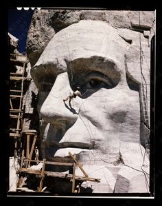 Carving of Abraham Lincoln at Mount Rushmore, ca. Monte Rushmore, Important People In History, Interesting History, Historical Pictures, South Dakota, Abraham Lincoln, American History, National Parks, The Past