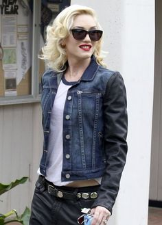 Gwen Stefani, casual chic in her leather sleeved jacket
