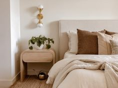 Apartment Master Bedroom, Master Bedroom Layout, Guest Bedroom Decor, Bedroom Layouts, Home Bedroom, Bedrooms, Dream Bedroom, Bedroom Ideas, Hygge