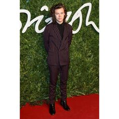 Harry Styles ❤ liked on Polyvore featuring one direction, harry, people, harry styles e backgrounds