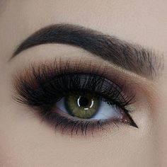 @miaumauve never fails to impress. She completed this smoky eye with ESQIDO Noire Collection Midnight Symphony lashes.  www.esqido.com/shop #esqido #noirecollection
