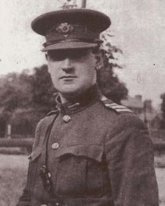 Denis Lenihan replies to Dan Murray's article on Florence O'Donoghue and the killing of Michael Collins at Beal na Blath in Daniel Murray is quite right when he says (The Irish St… Michael Collins, Wife Pics, Erin Go Bragh, County Clare, Mother Family, Literary Gifts, Irish Dance, Greatest Songs, Best Face Products