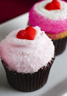 Valentine's Day cupcakes! Cake #001.