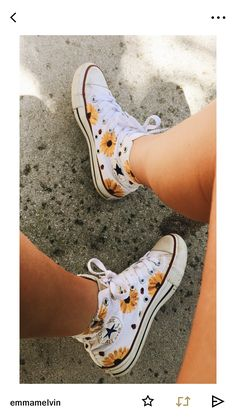 Would b cute painted w lil red hearts Cute Converse, Rainbow Converse, Yellow Converse, Yellow Vans, Cute Vans, Sunflower Vans, Sunflower Dress, Sunflower Print, Crazy Shoes