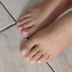 love her pretty toes!!