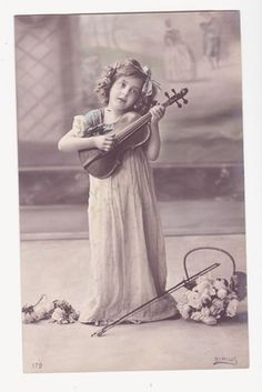 Pretty Edwardian Girl with Viola ( omg almost no little girls I know play viola) 1910s Photo