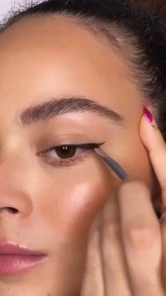 Makeup Looks Tutorial, Smokey Eye Makeup Tutorial, Eye Makeup Steps, Makeup Eye Looks, Eye Makeup Art, Makeup For Brown Eyes, Skin Makeup, Subtle Eye Makeup, Small Eyes Makeup