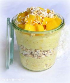 Rezepte mit Herz ♥: Mango-Joghurt mit Kokos-Haferflocken