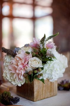 wooden box centerpieces | Cristy Cross #wedding