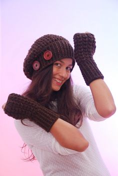 Set of crochet beanie hat and mittens. Romantic merino wool set. Brown beanie hat. Brown mittens. Christmas gift. Fashion hat mittens