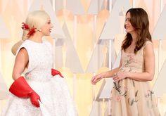 Pin for Later: Die 55 besten Bilder der Oscars 2015 Lady Gaga und Keira Knightley