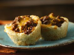 We've packed everything there is to love about barbecue into mini Bisquick cups! BBQ beef, onion and cheddar combine for a melt-in-your-mouth savory snack the whole gang will love. Feel free to use shredded beef or pulled pork or chicken in place of the ground beef.