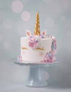 Unicorn Cake Kurs (Buttercream-Kurs) - Minh Cakes Zürich Best Picture For birthday cake girls For Your Taste You are looking for something, and it is going to tell you exactly what you are looking for Unicorne Cake, Diy Cake, Cupcake Cakes, Cupcakes, Lego Cake, Minecraft Cake, Cake Smash, Easy Unicorn Cake, Unicorn Cake Pops